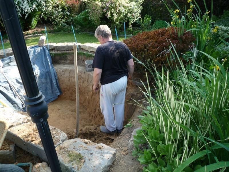 Un étang au jardin puis deux F2510
