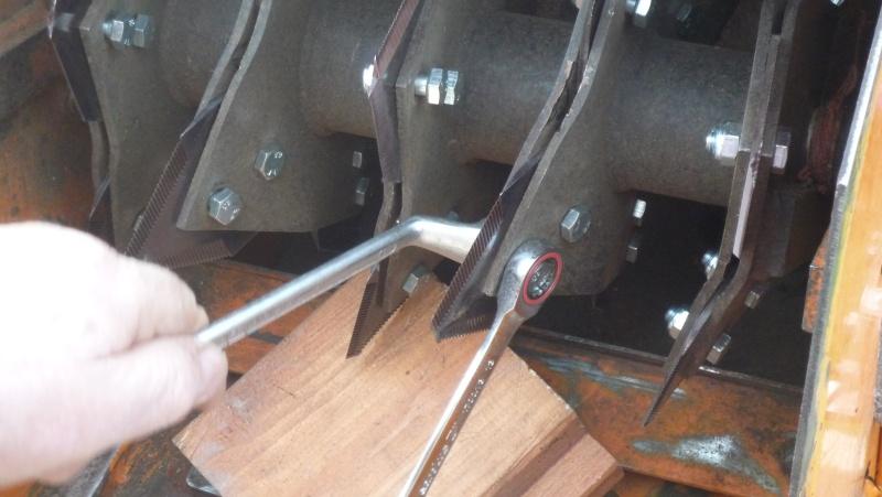 Remplacement de couteaux de broyeur P1030613