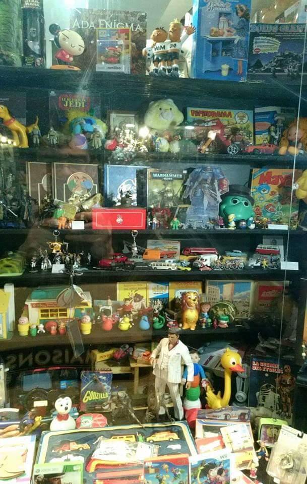 Boutique de jouets à Rouen   10406410