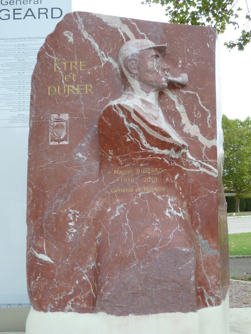 Stèle général Bigeard: à Aix les Bains, les rouges n'ont pas fait trembler les bérets rouges !  2012-110