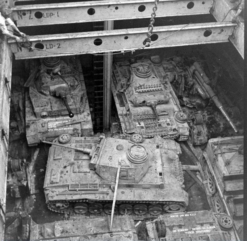 Panzer IV Africa Korps - Tamiya - 1/35 - Page 9 12510310
