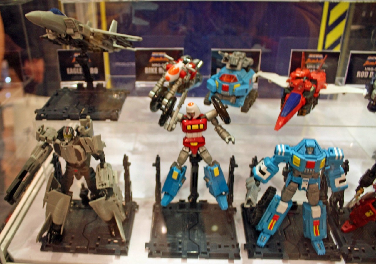 Action Toys  ROBO MACHINE Revenge of Cronos - Page 3 A066-110