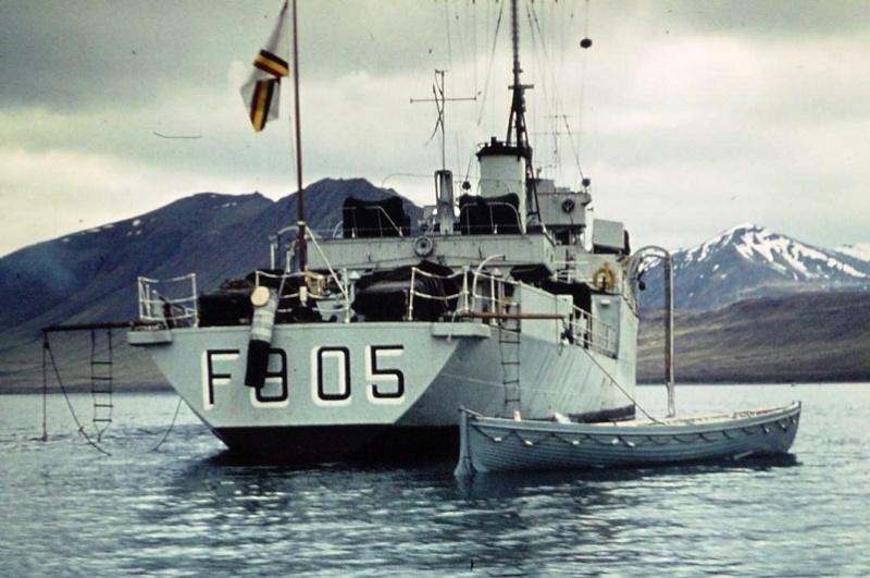 M/F 905 De Moor (ex HMS Rosario) - Page 5 Mat_de11