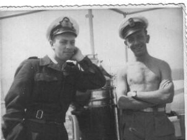 M/F 904 Debrouwer (ex HMS Spanker) - Page 5 Pierro12