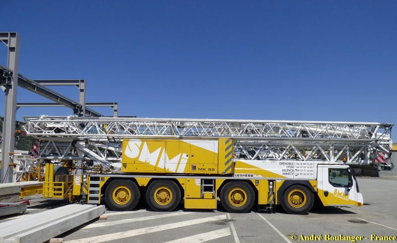 Les grues de SMMI (Groupe SMMI) (France) - Page 5 Liebhe23