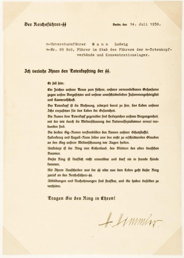 Comment peut bien valoir la signature de H Himmler ? 29701610