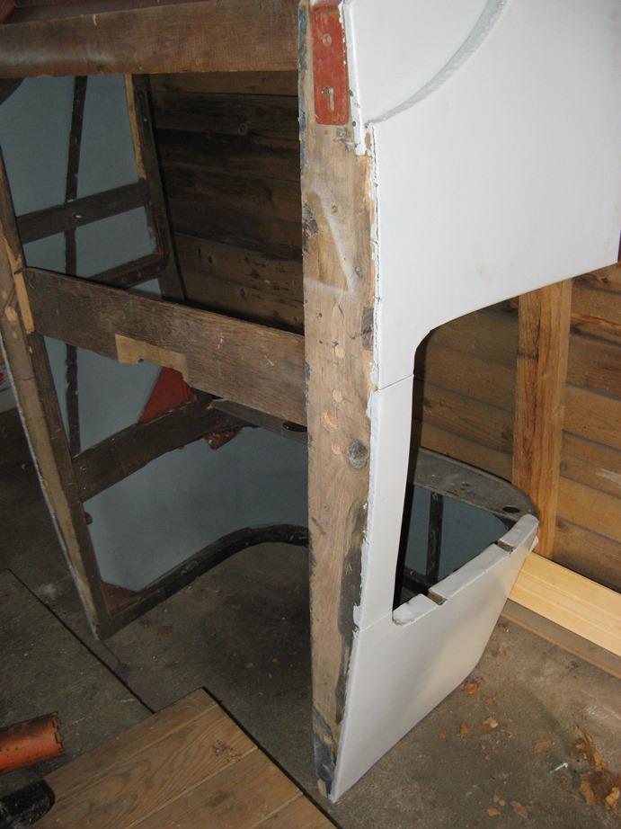 Positionnement de l'aile ,du bas de caisse et du marchepied Img_5010
