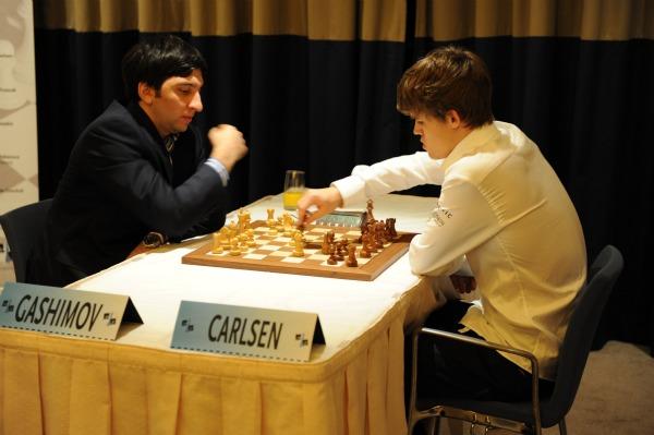 Carlsen, Grischuk and Aronian Lead Amber Gashim10