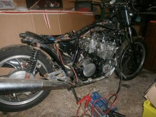 xj 750 SECA yamaha ..NO CAFE RACER. B10