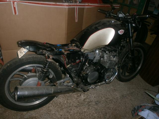 xj 750 SECA yamaha ..NO CAFE RACER. P1010110