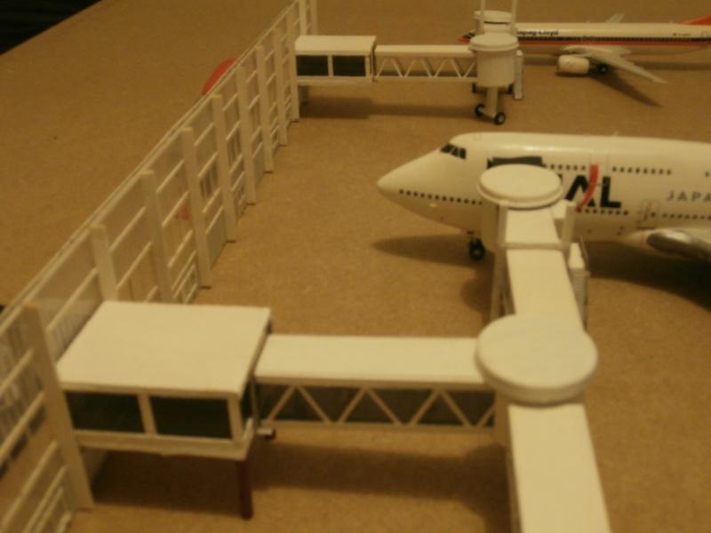 Réalisation de la maquette d'un Aéroport International (scratch) 1/144ème Term_013