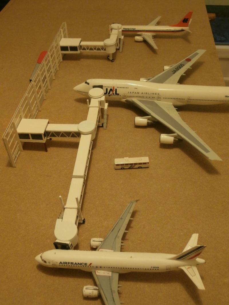 Réalisation de la maquette d'un Aéroport International (scratch) 1/144ème Term_016