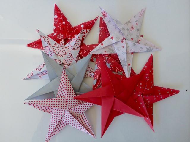 23 novembre : des étoiles ORIGAMI ... P1030835