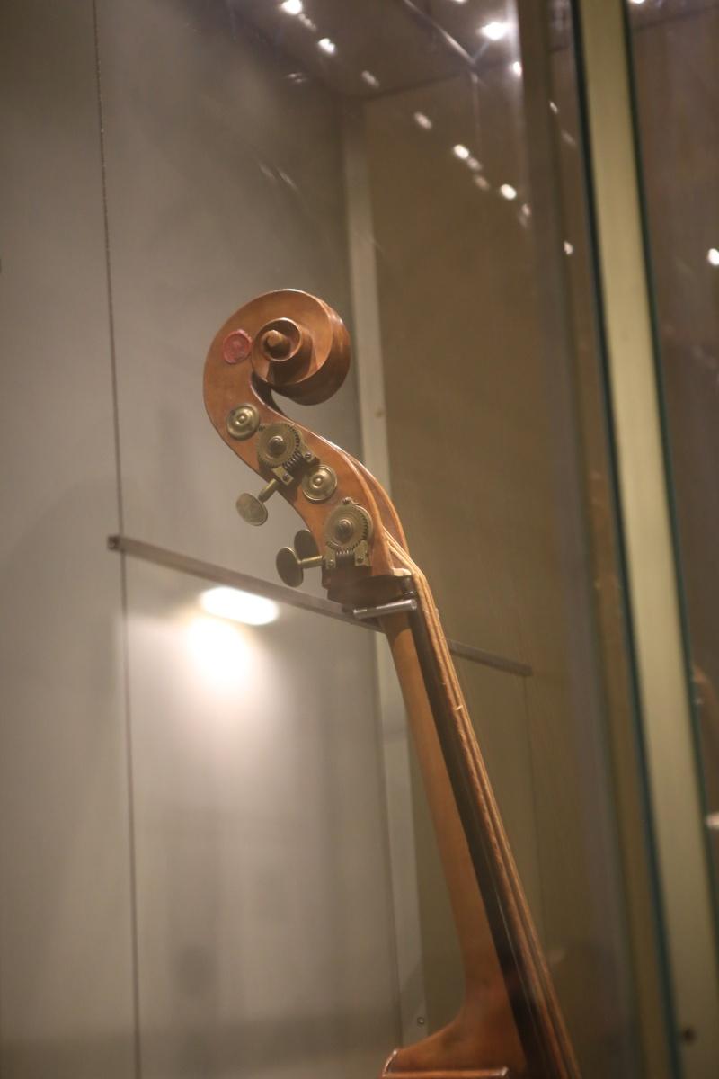 Stradivari?  E il pianoforte dove è nato? Img_7426