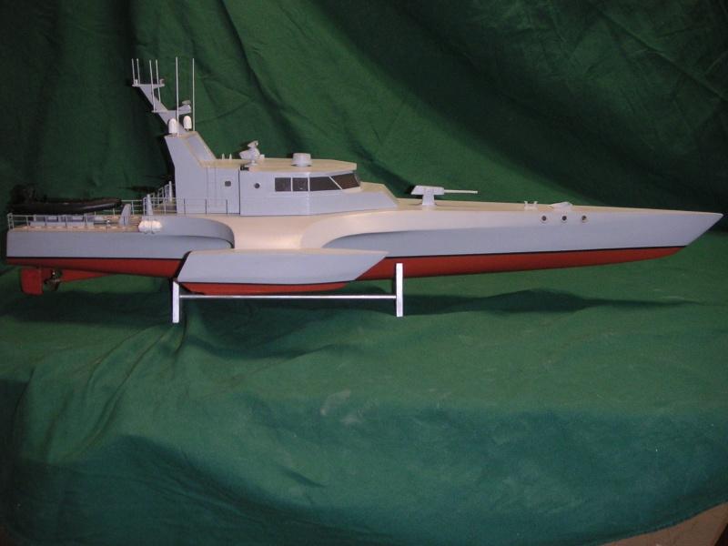 Catamaran a moteur au 1/40 Fin_tr14