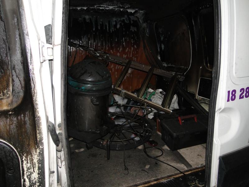 voiture brulé a MOI Voitur14
