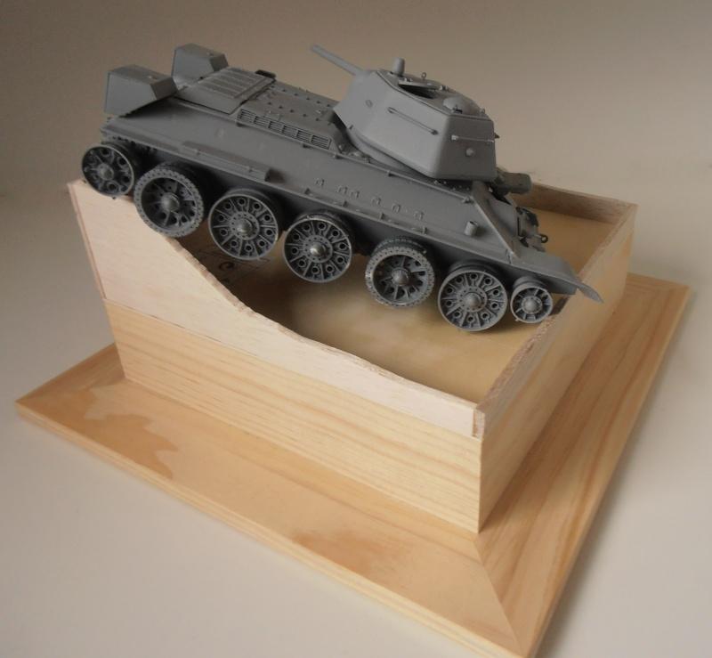 "T-34 "" K.O "" ( Tamiya, Dragon au 1/35eme ). Pb250811"
