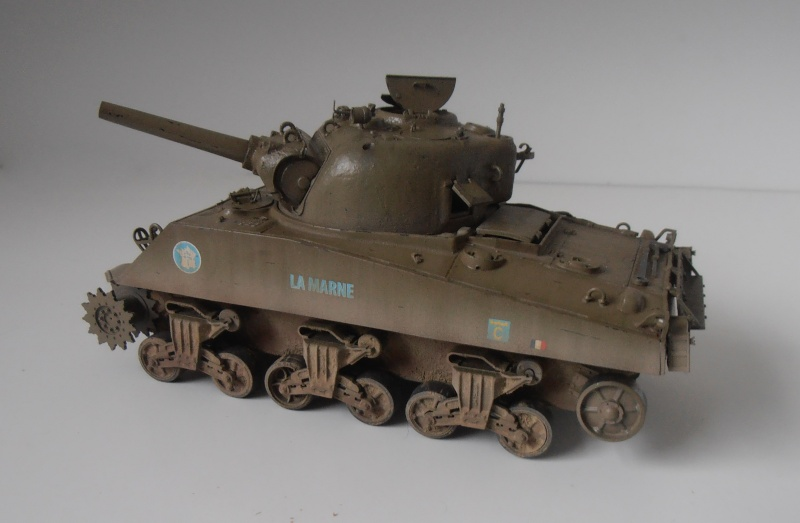 "Sherman M4 105mm "" La Marne "" ( Tamiya et conversion ? au 1/35eme ) - Page 2 Pb280910"