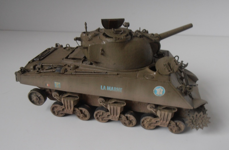 "Sherman M4 105mm "" La Marne "" ( Tamiya et conversion ? au 1/35eme ) - Page 2 Pb280913"