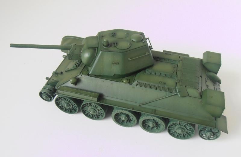 "T-34 "" K.O "" ( Tamiya, Dragon au 1/35eme ). - Page 2 Pb280920"