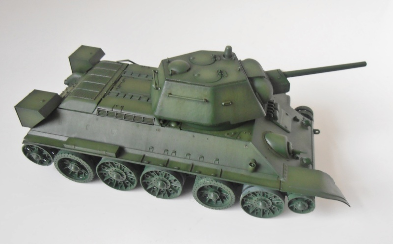 "T-34 "" K.O "" ( Tamiya, Dragon au 1/35eme ). - Page 2 Pb280921"