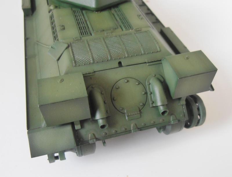 "T-34 "" K.O "" ( Tamiya, Dragon au 1/35eme ). - Page 2 Pb280922"