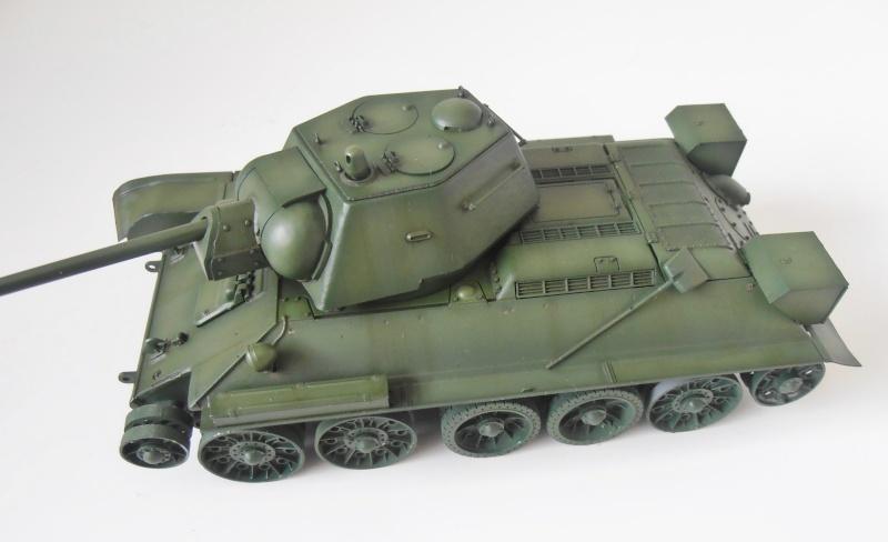 "T-34 "" K.O "" ( Tamiya, Dragon au 1/35eme ). - Page 2 Pb280923"