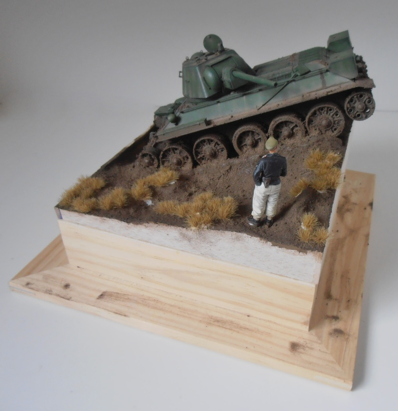 "T-34 "" K.O "" ( Tamiya, Dragon au 1/35eme ). - Page 4 Pc051110"