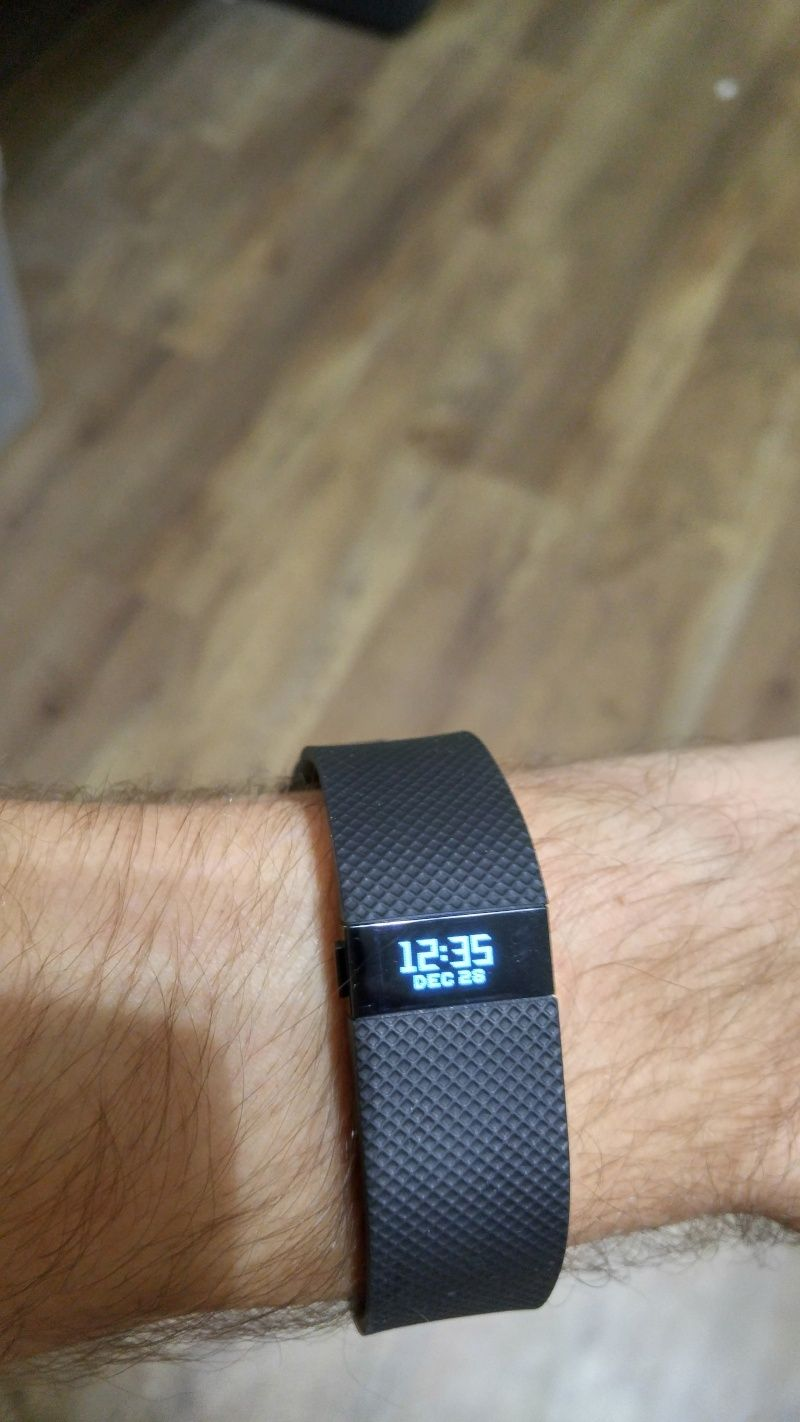 What watch are you wearing today ? - Page 2 Fitbit10