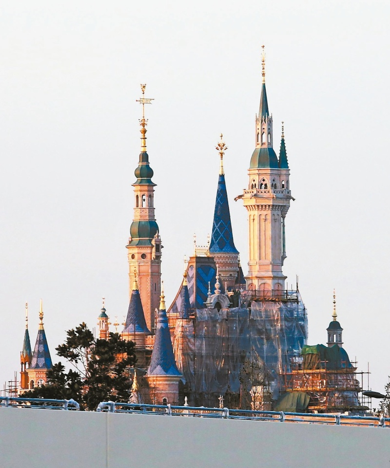 [Shanghai Disneyland] The Enchanted Storybook Castle (2016) - Page 9 17998210