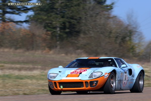 La FORD GT 40  - Page 3 Img_0310