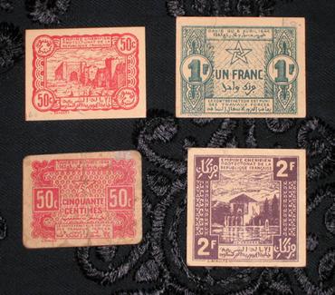 Les Timbres, Monnaies et Pièces du Maroc 50cm_110