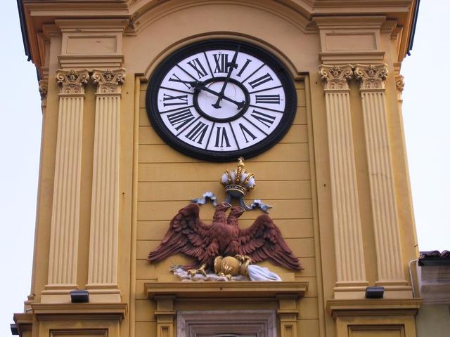 Reçu un beau diapo....Les horloges et pendules des rues..... - Page 5 Horl_r10