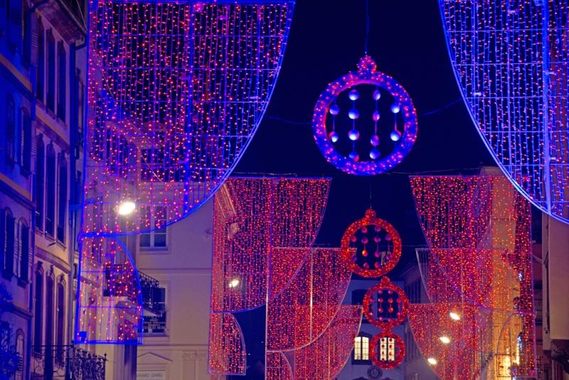 Les illuminations de Noël pour les fêtes 2.015   2.016 ! - Page 5 Ill20110