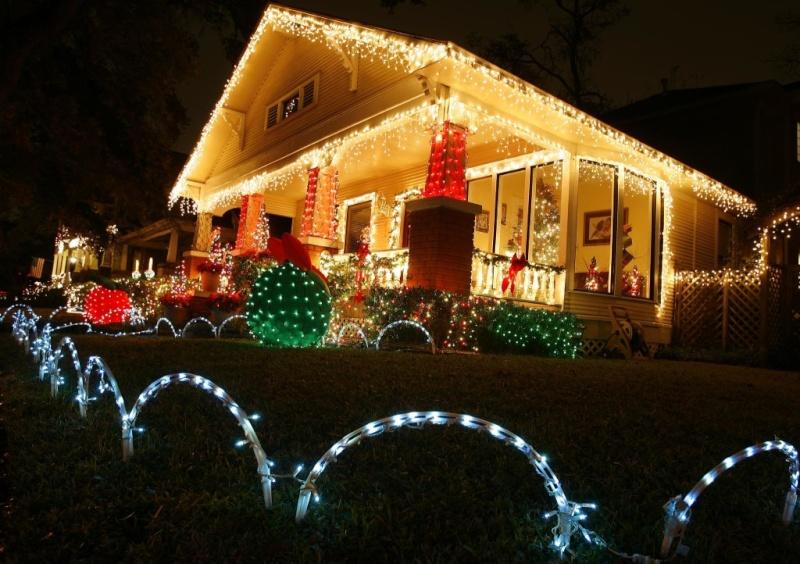 Les illuminations de Noël pour les fêtes 2.015   2.016 ! - Page 4 Illum_30