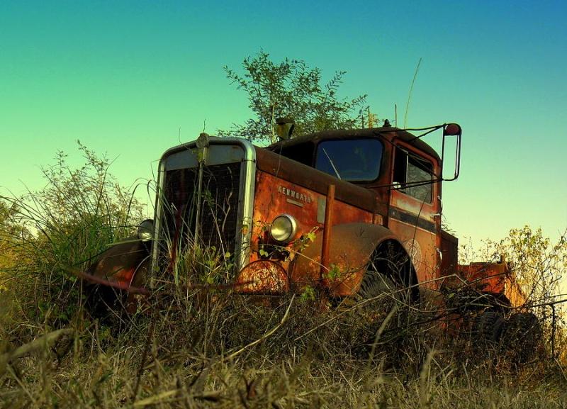 Basé sur l'ordre alphabétique, des noms de voitures, camions, dragsters, vélos, motos, tracteurs, bref tout ce qui roule !... - Page 18 Kenwor10