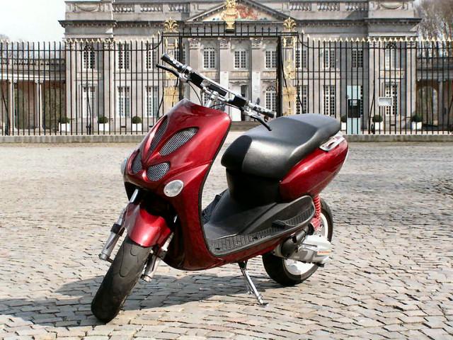 Basé sur l'ordre alphabétique, des noms de voitures, camions, dragsters, vélos, motos, tracteurs, bref tout ce qui roule !... - Page 21 Ovetto10