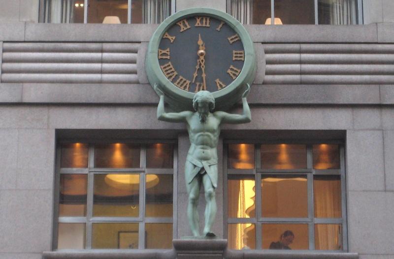 Reçu un beau diapo....Les horloges et pendules des rues..... - Page 5 Tiffan10