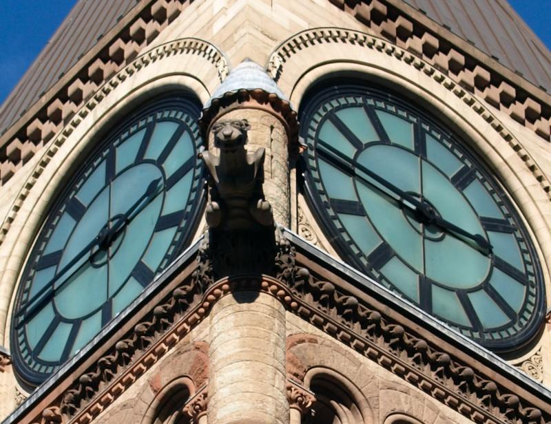Reçu un beau diapo....Les horloges et pendules des rues..... - Page 7 Toront10