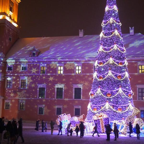 Les illuminations de Noël pour les fêtes 2.015   2.016 ! - Page 2 Varsov12