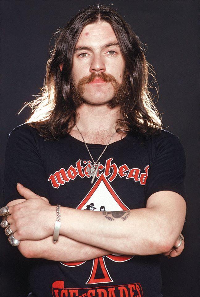 Le roi Lemmy nous a quittés Lemmy11