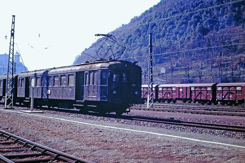 Pk 082,2 : Gare de Foix (09) - 1998 :  Z-7362 au printemps Z-410010