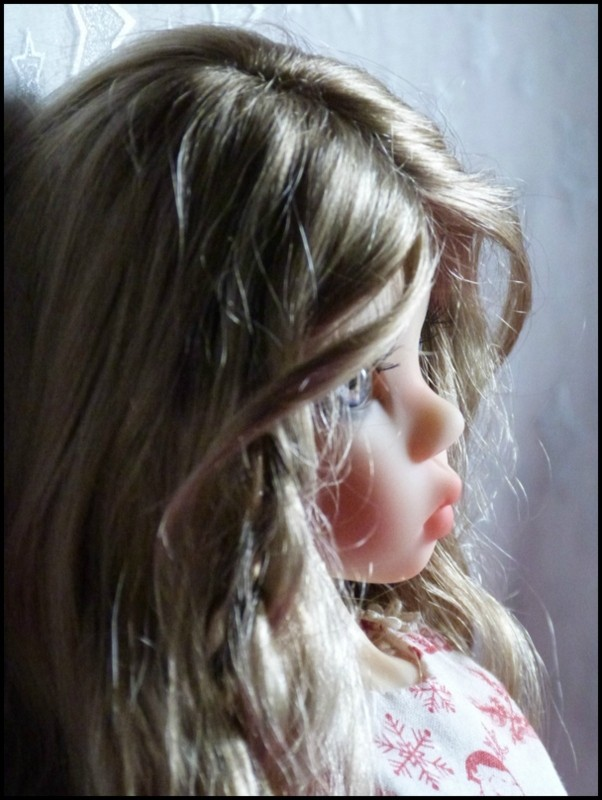 ma Miki Ophelie  dans son boudoir et en mauve P2 10840711