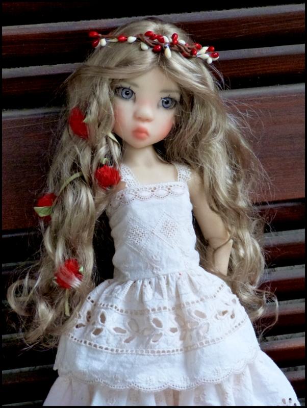 ma Miki Ophelie  dans son boudoir et en mauve P2 P1390415