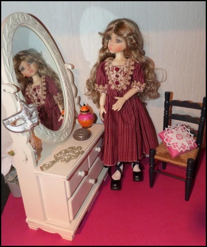 ma Miki Ophelie  dans son boudoir et en mauve P2 - Page 2 P1390514