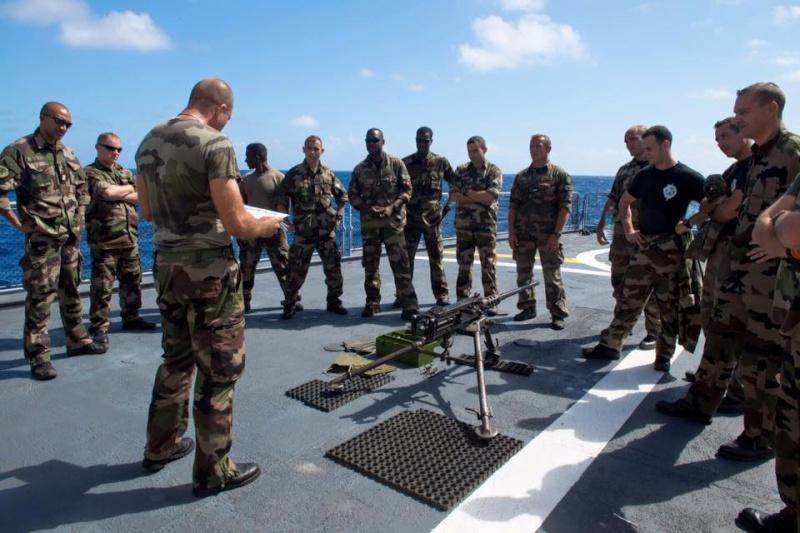 Les actualités de la Marine Française - Page 33 11115