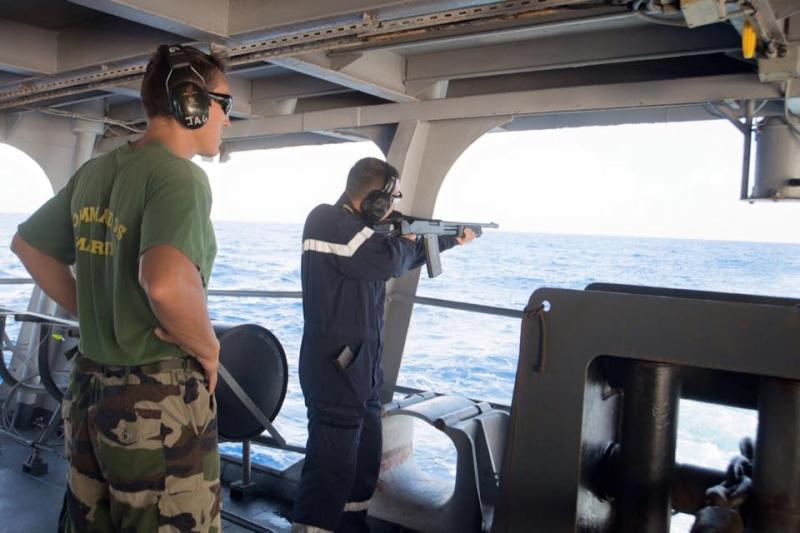 Les actualités de la Marine Française - Page 33 1353