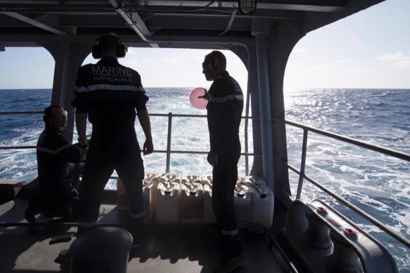 Les actualités de la Marine Française - Page 33 874