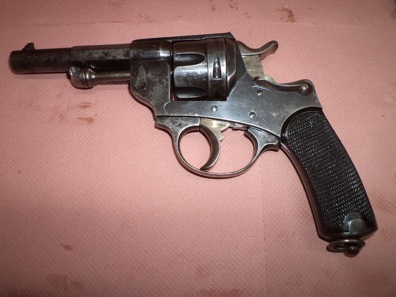 Qui, pour me renseigner sur ce revolver civil 1874 ! 1873 ! Prix de tirs Dsc05416
