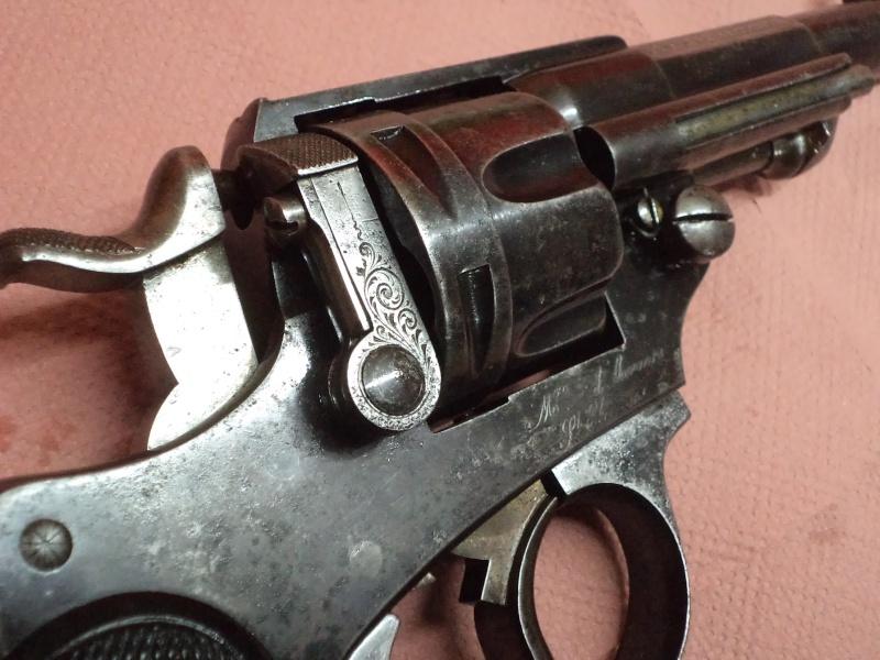 Qui, pour me renseigner sur ce revolver civil 1874 ! 1873 ! Prix de tirs Dsc05419
